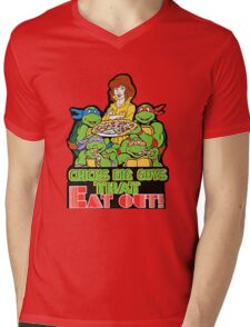 Chicks Dig Guys That Eat Out Mens V-Neck T-Shirt