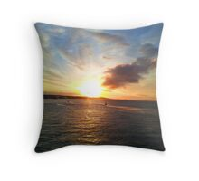 Sunrise over the River Tay, Dundee Throw Pillow