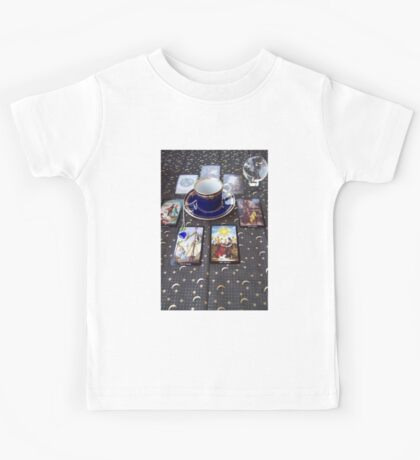 Tarot reading and tea Kids Tee