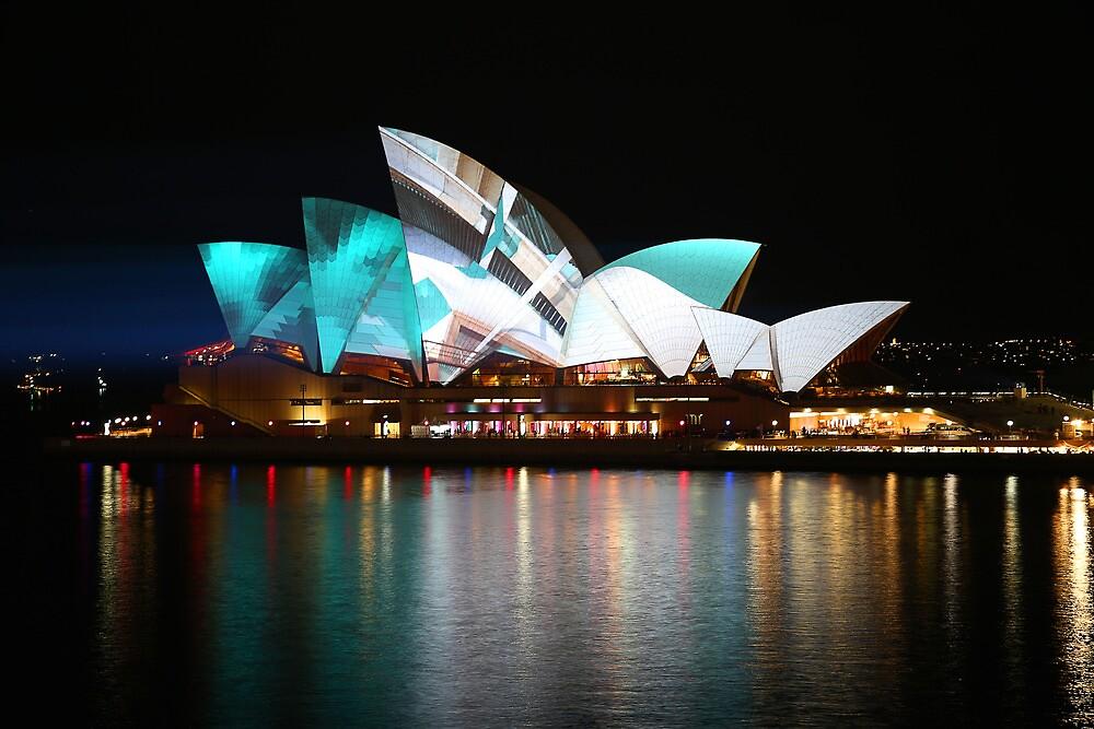 The Opera House - Sydney Vivid Festival by kcy011