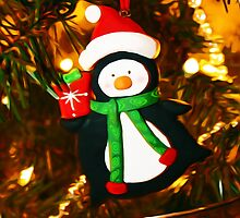 Christmas Penguin with Gift by wcsmack
