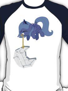 Cute Luna  T-Shirt