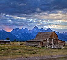 Last rays of sunlight at Grand Teton National Park by Matt Suess
