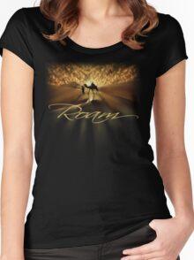 Roam Women's Fitted Scoop T-Shirt