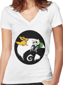The nightmare before christmas time Women's Fitted V-Neck T-Shirt