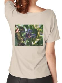 Bee on the Cornflower Women's Relaxed Fit T-Shirt