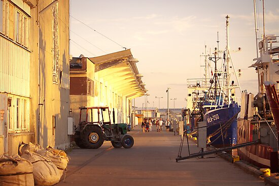 Golden Hour in Hel by seawhisper