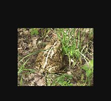 Toad Not Liking It's Picture Taken      Pentax X-5 Digital Camera 16 MP Unisex T-Shirt