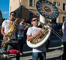 Jazz band, la festa dell'uva, Panicale, Umbria by Andrew Jones