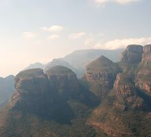 Blyde River Canyon by gogston