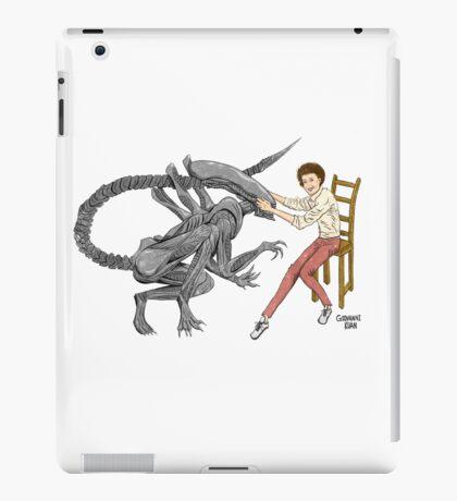 Alien & Sigourney Weaver iPad Case/Skin