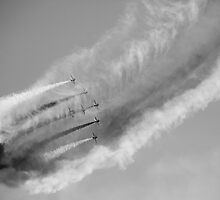 Red Arrows - Creating Clouds by Kevin Skinner