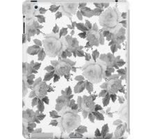 Vintage black white chic roses floral pattern  iPad Case/Skin