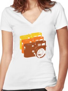 Leica addict Women's Fitted V-Neck T-Shirt