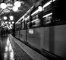 Travel BW - Paris Metro by lesslinear