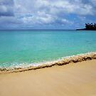 Waimea Bay  by kcy011