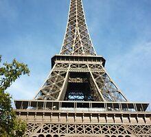 La Tour Eiffel en Octobre by Ben Wardropper