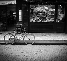 Travel BW - Paris Bicycle by lesslinear