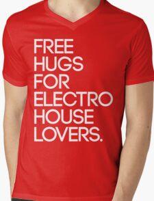 Free Hugs For Electro House Lovers. Mens V-Neck T-Shirt