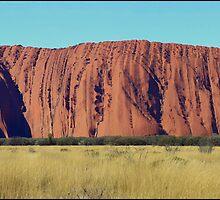 Uluru Panorama by kcy011