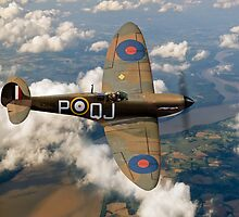 Battle of Britain Spitfire by Gary Eason + Flight Artworks