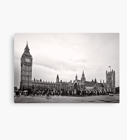 Big Ben and the Houses of Parliament - London - Britain Canvas Print