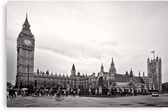 Big Ben and the Houses of Parliament - London - Britain by Norman Repacholi