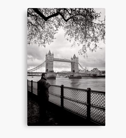 Enjoying the view - Tower Bridge - London - Britain Canvas Print