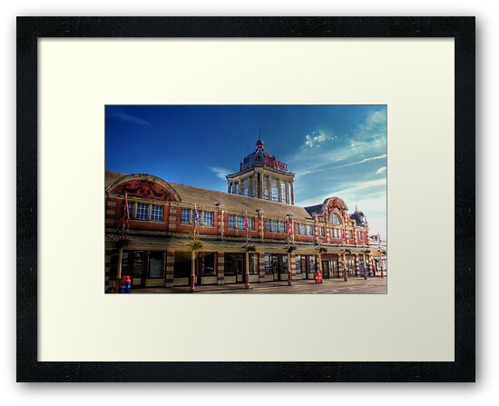 The Kursaal Southend  on sea  by larry flewers