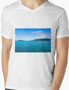 Tropical Island Green Island National Park Mens V-Neck T-Shirt