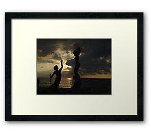 Come Together - Encontrarse Framed Print