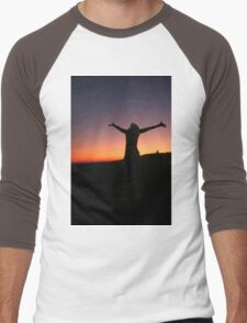 Silhouette of an exited woman at sunset Men's Baseball ¾ T-Shirt
