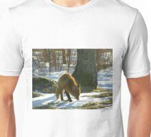 Vulpes Vulpes sniffing Unisex T-Shirt