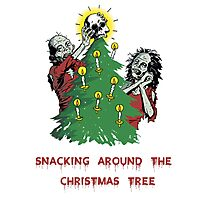 Snacking around the christmas tree Photographic Print