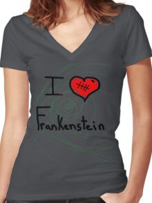 i love Frankenstein halloween   Women's Fitted V-Neck T-Shirt