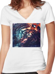 Tiger sleeping Women's Fitted V-Neck T-Shirt