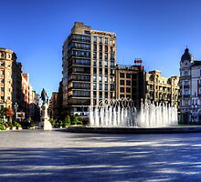 Plaza de Zorrilla by Tom Gomez