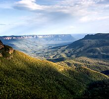 Mt Solitary, from Olympian Rock Leura by David Mapletoft