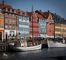 Nyhavn by Paul Davis