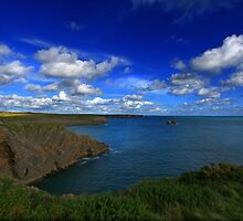 Broad Haven Bay,Pembrokeshire. by rennaisance