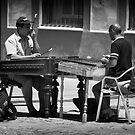 Urban musicians by Unai Ileaña