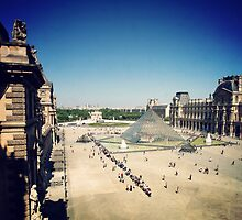 Paris 553 by tuetano