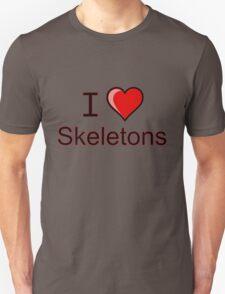 I love Halloween skeletons  T-Shirt