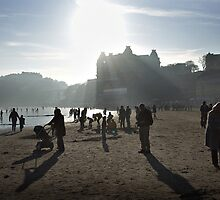 The south bay at Scarborough  by Richard Flint