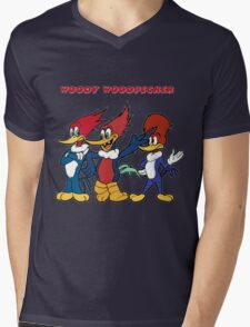 woody woodpecker Mens V-Neck T-Shirt