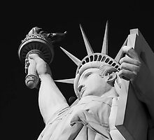 Statue of Liberty by fernblacker