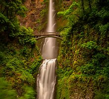 Multnomah Falls  by mrmattb