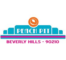 Peach Pit- Beverly Hills 90210 by KikkaT