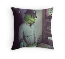 FROG GAMER  Throw Pillow