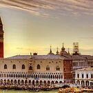 Palazzo Ducale di Venezia by Tom Gomez
